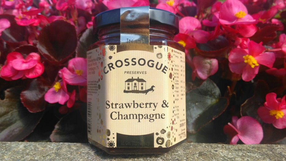Crossogue Strawberry and Champagne Preserve 225g
